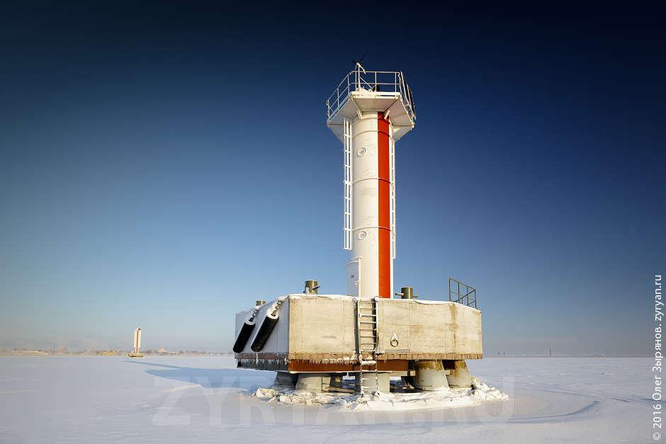 Современный створный маяк, укомплектованный и выполненный по последнему слову техники.
