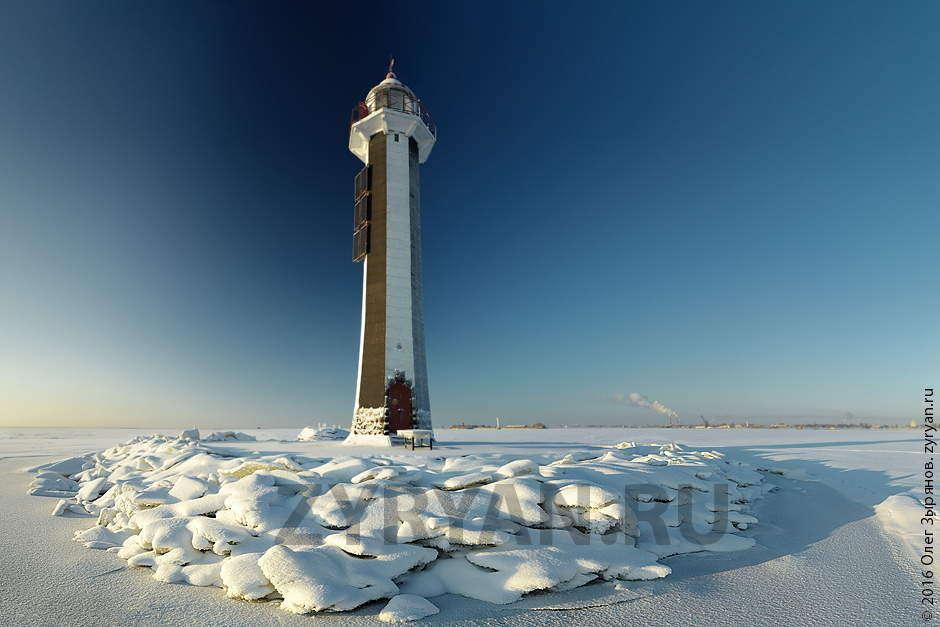 Передний створный маяк морского канала
